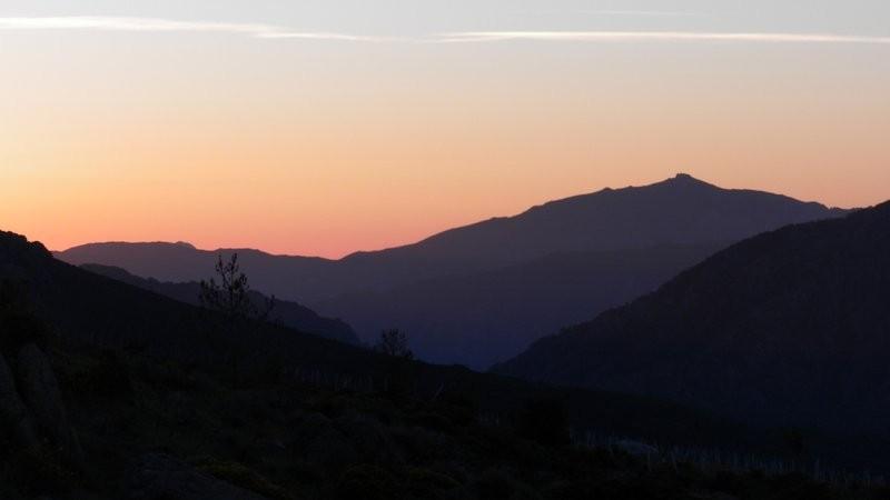 und zu gleich im Rückken der Sonnenaufgang