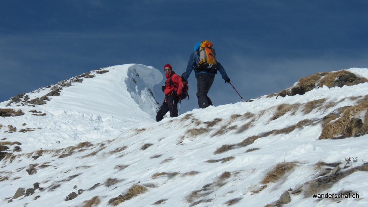 über den Grat geht's zum Gipfel