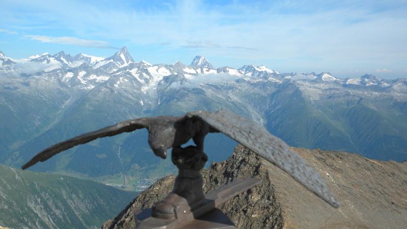 auf dem italienischen Gipfel vom Blinnenhorn
