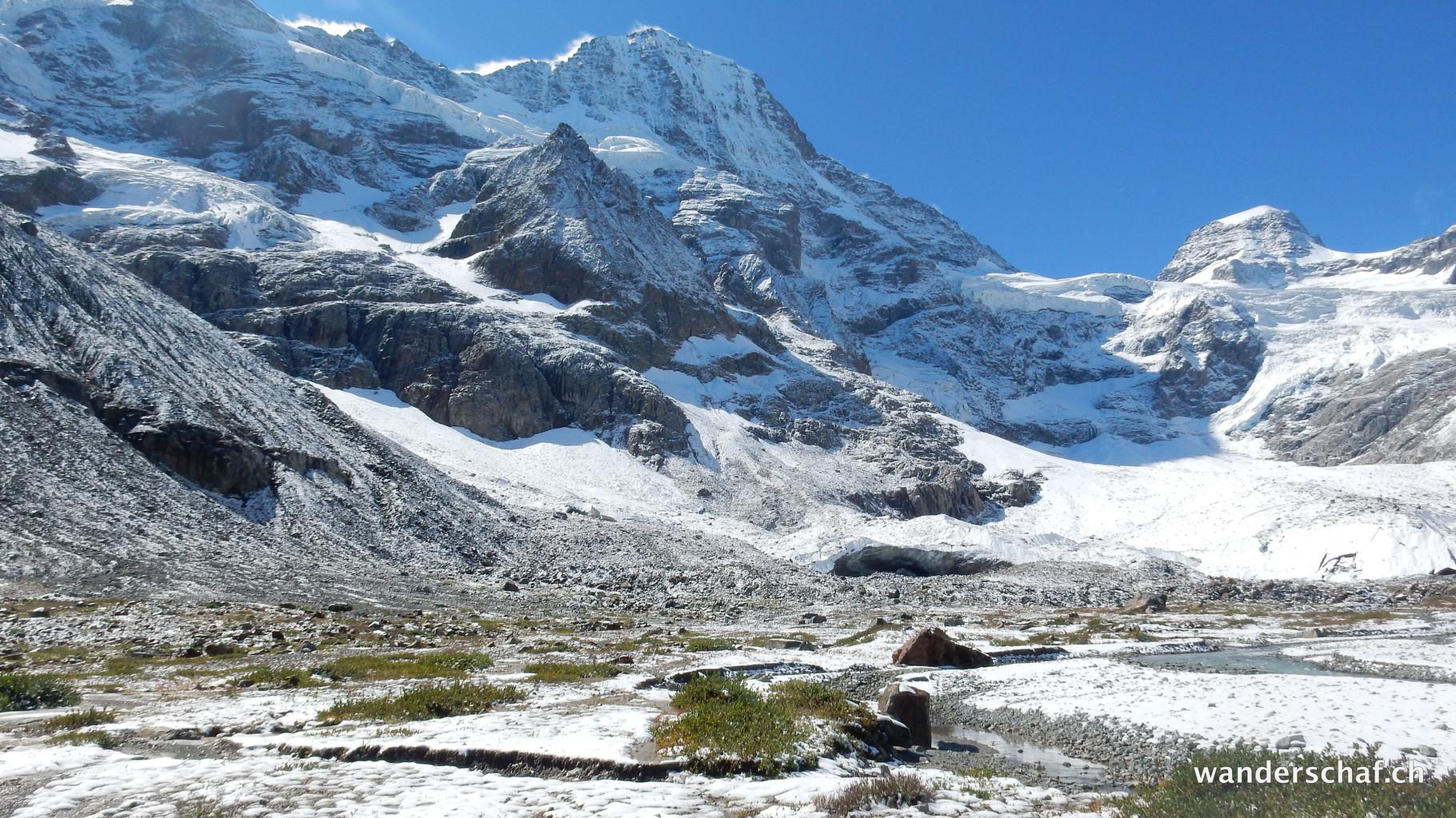 spontaner Abstecher zum Gletschertor vom Breithorn- und Schmadrigletscher