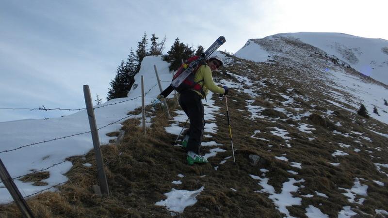 am Grat oben heisst's dann Skier tragen