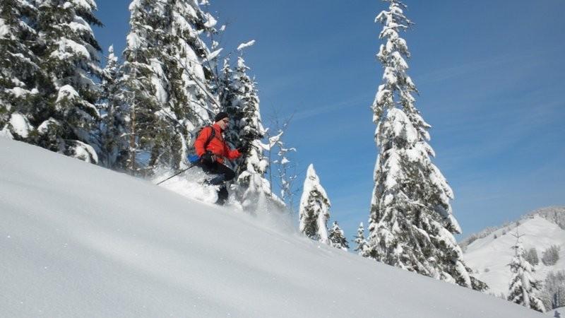 """auch mit Schneeschuhen kann man """"powdern"""".....nur ist es viel anstrengender als mit Skiern ;o)"""