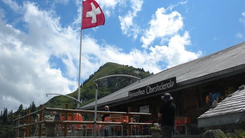 Oberstockenalp mit dem Cheibenhorn im Hintergrund