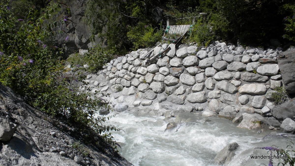 hier war einmal eine Brücke, welche über die reissende Dranse führte