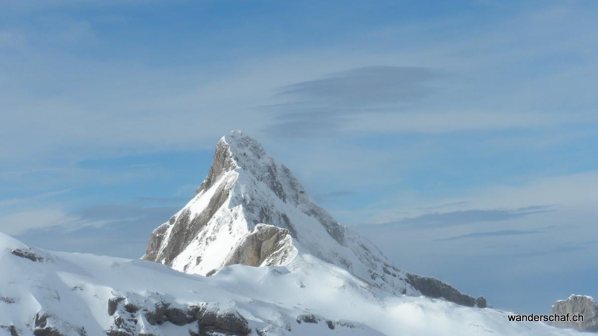 """das """"Matterhorn"""" vom Riemenstaldental der Hundstock"""