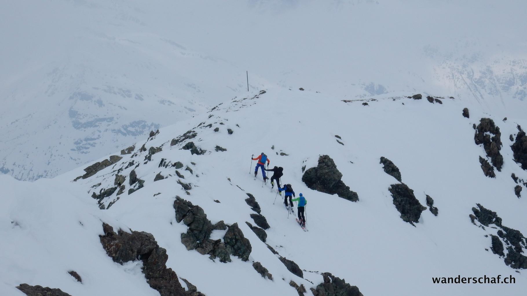 auf dem Rückweg zum Skigebiet