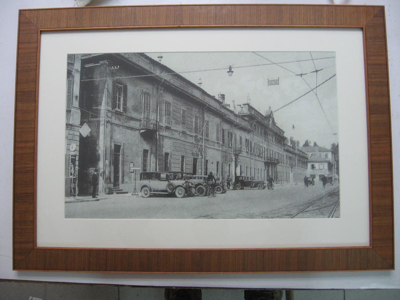 Foto d'epoca con cornice in noce e passepartout a smusso.