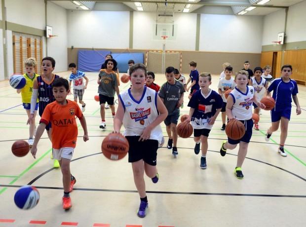 http://dieeisbaeren.de/eisbaeren-gruenden-verein-fuer-den-basketball-nachwuchs-neue-grundschulliga-mit-7-mannschaften/