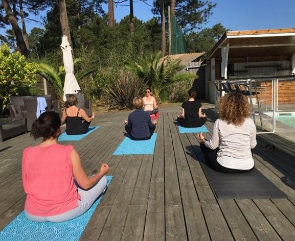 Yoga, soleil, dehors à Cap Golf