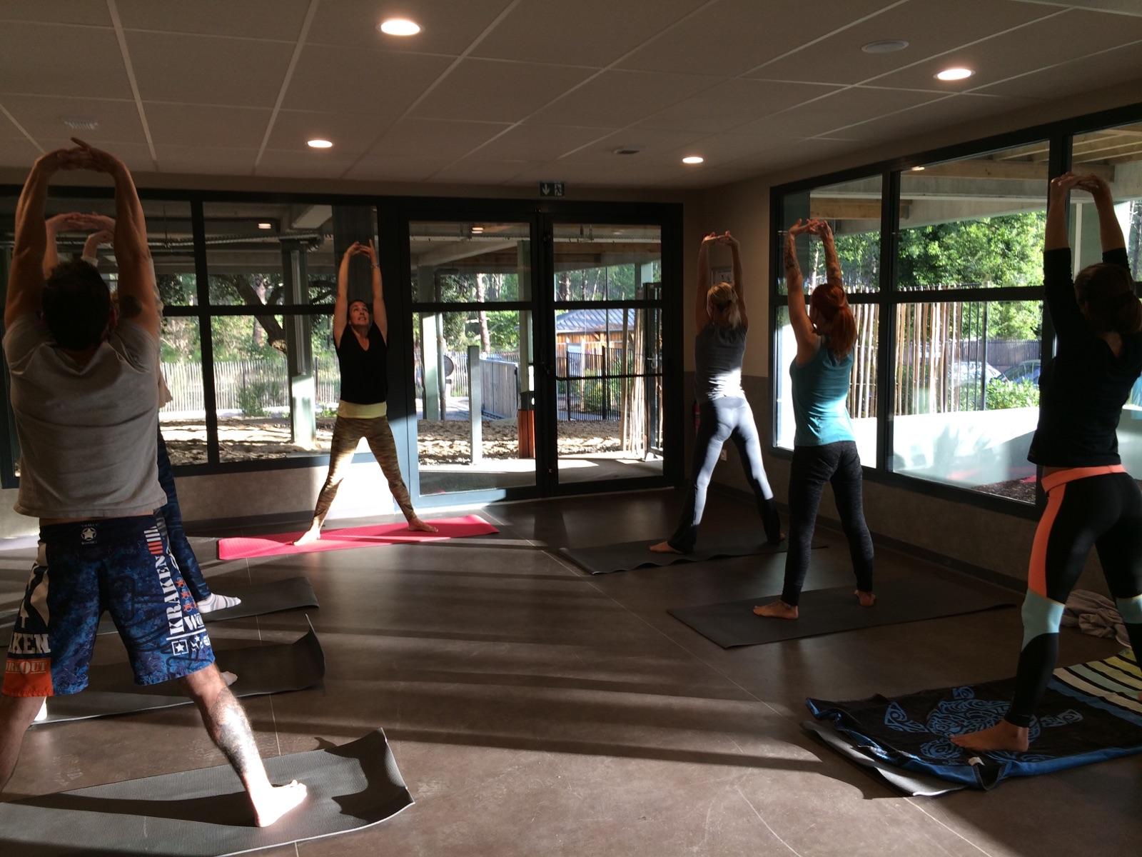 Séance de yoga au Domaine du Ferret, Claouey