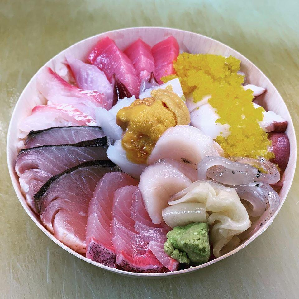 スペシャル海鮮丼(ネタは日替わり)2000円