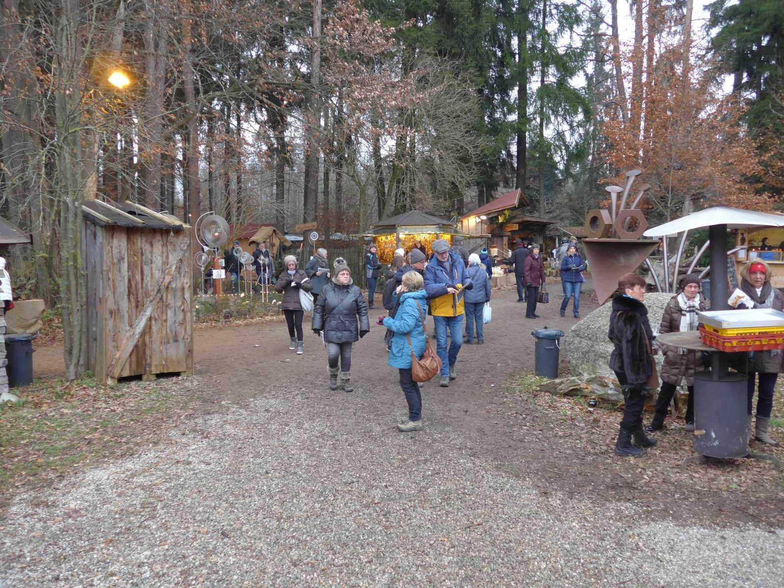 Wald-Weihnachtsmarkt, Halsbach