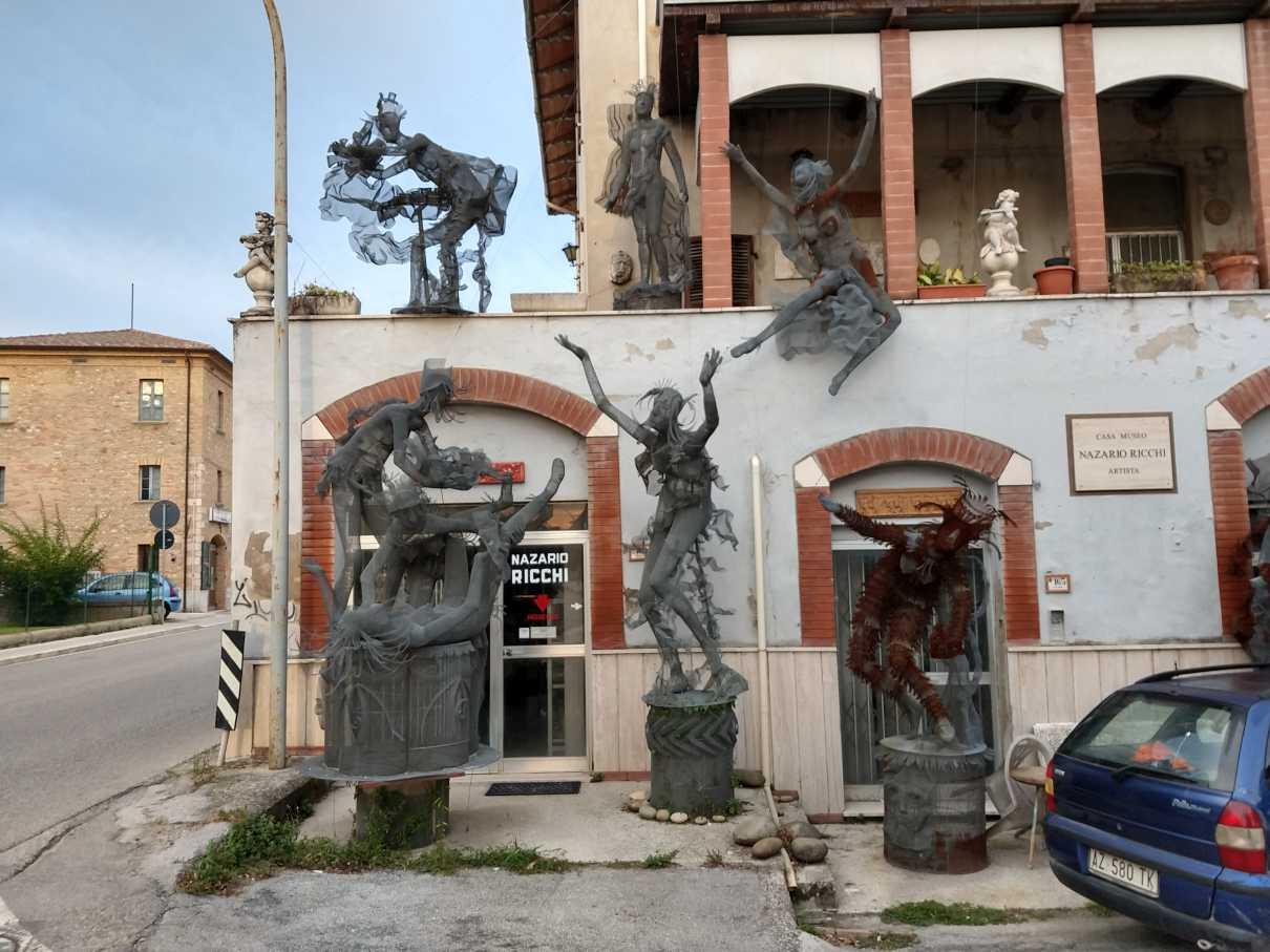 Metallkunst in Colli del Tronto