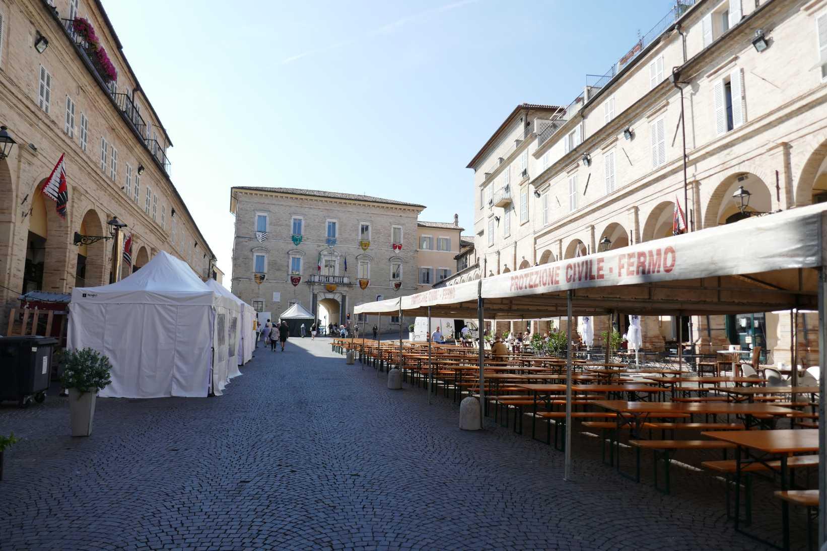 Fermo, Piazza del Popolo