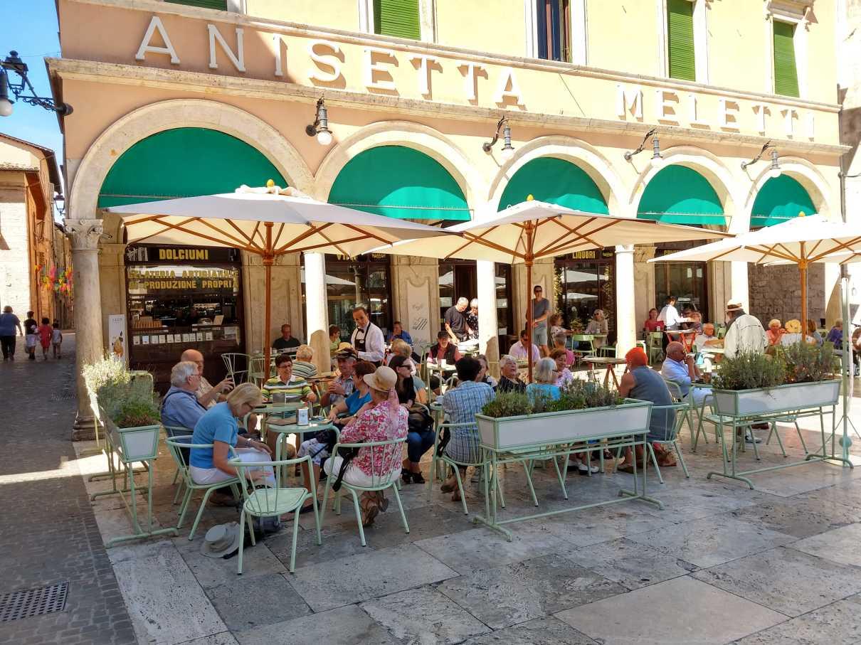 Traditions-Cafe Meletti in Ascoli
