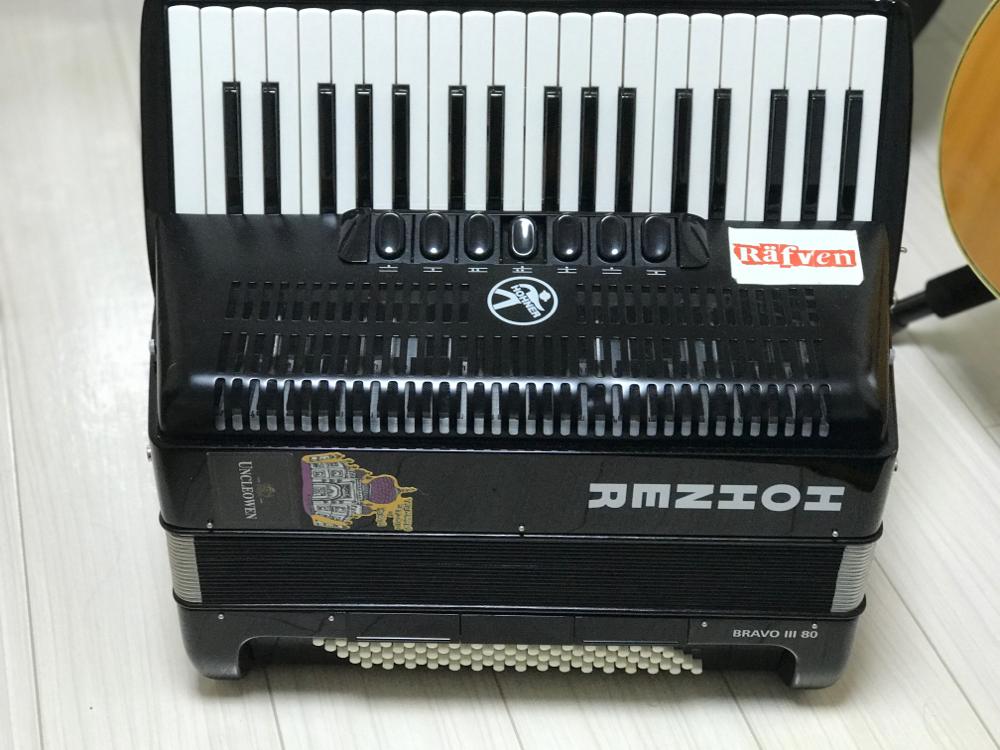ホナーの鍵盤アコーディオン