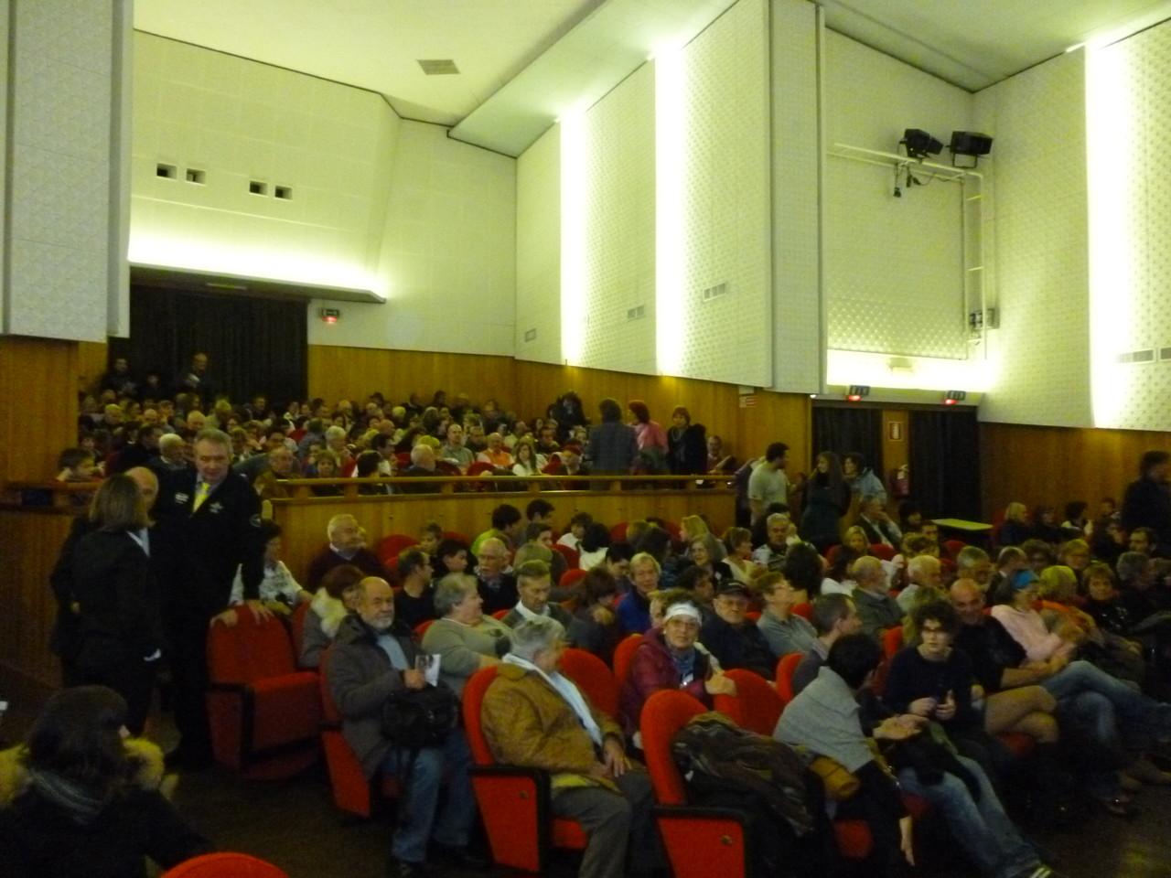 L'Assessore alla Cultura della Provincia Autonoma di Trento Franco Panizza con il regista Mauro Vittorio Quattrina e la curatrice del Museo del'Aeronautica Gianni Caproni, Neva Capra
