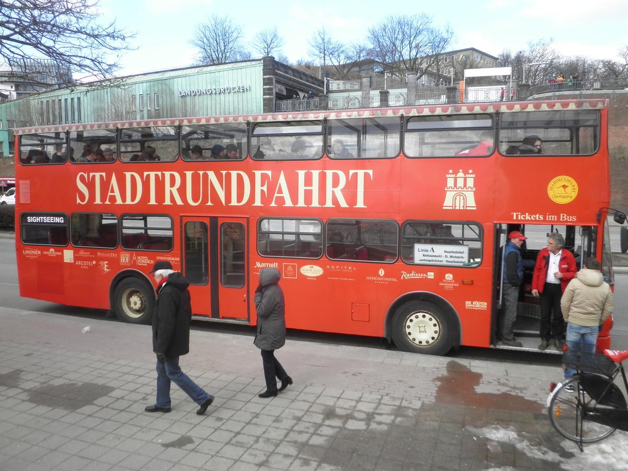 Roter Doppeldeckerbus - Stadtrundfahrten