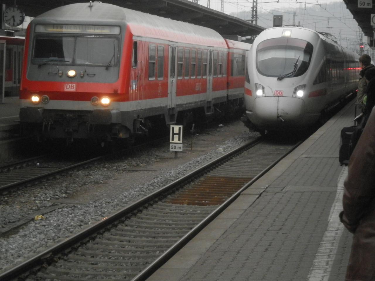 Einfahrt des ICE in Würzburg