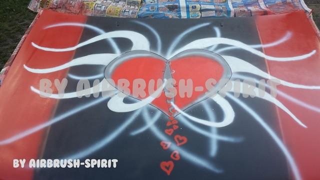 aufreisendes Herz - 08/2014 - Motorhaube