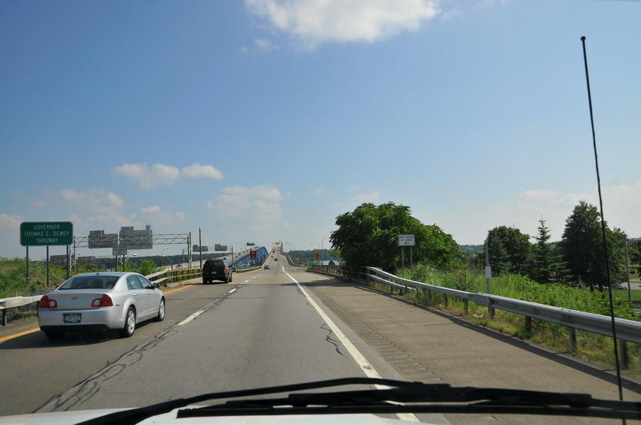 Die Brücke nach Grand Isalnd