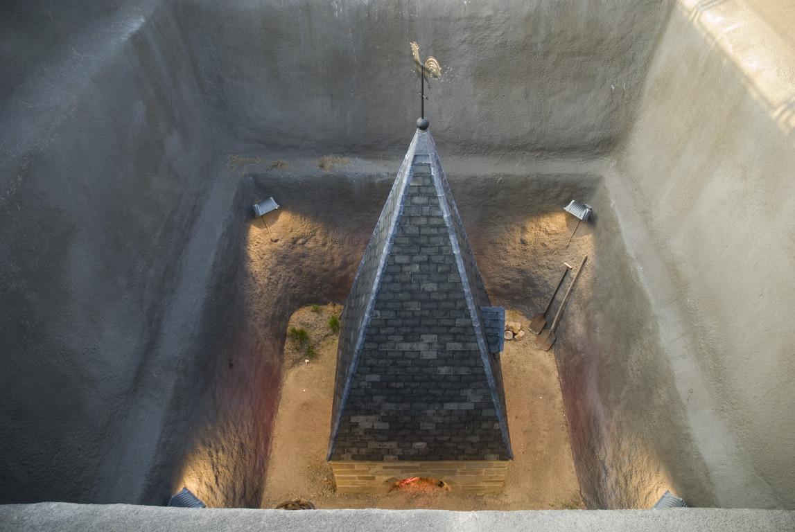 Guillaume Bijl - Archäologische Stätte (Eine Sorry Installation)