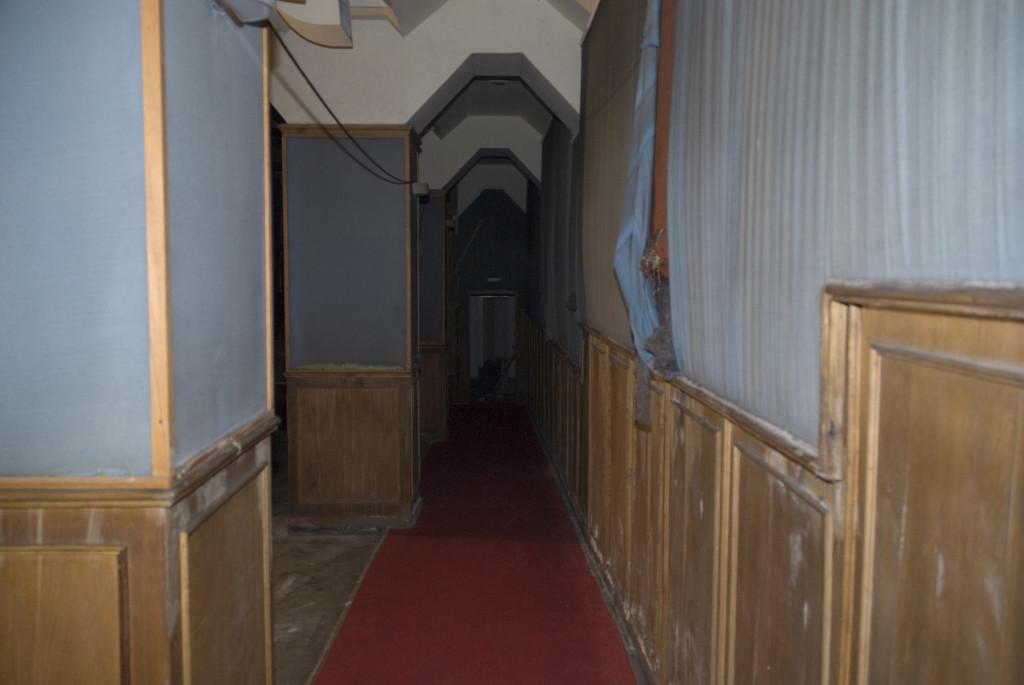 Kinosaal, Seitengang rechts,  August 2007