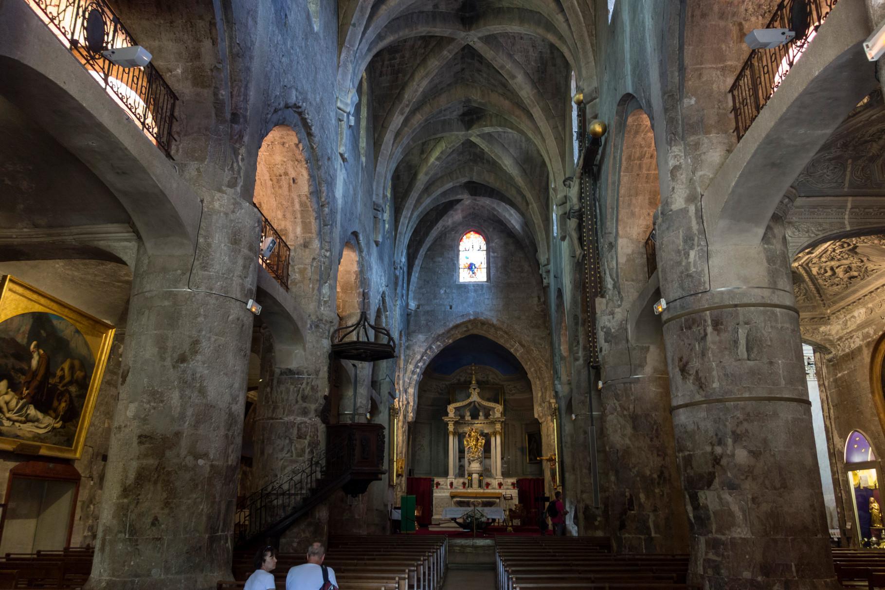 Innenansicht der Kathedrale von Grasse