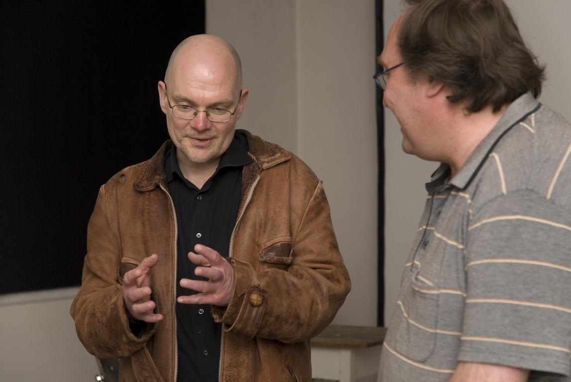 Michael Girke m Gespräch mit Roger Helmig