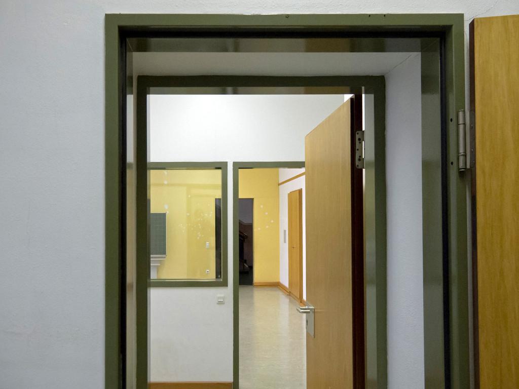 Räume und Nebenräume der ehemaligen Schule