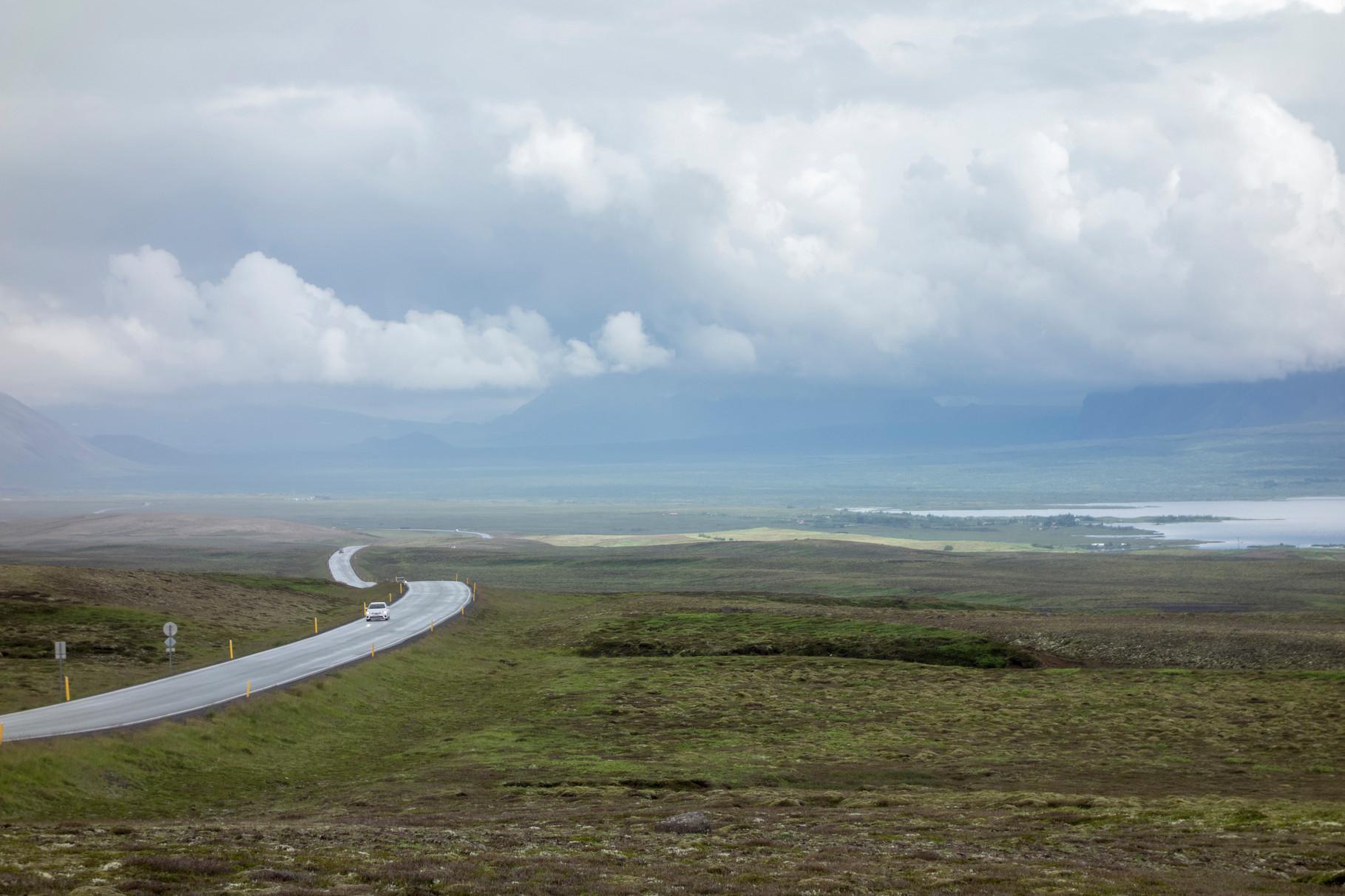 Straße zum Þingvellir-Nationalpark