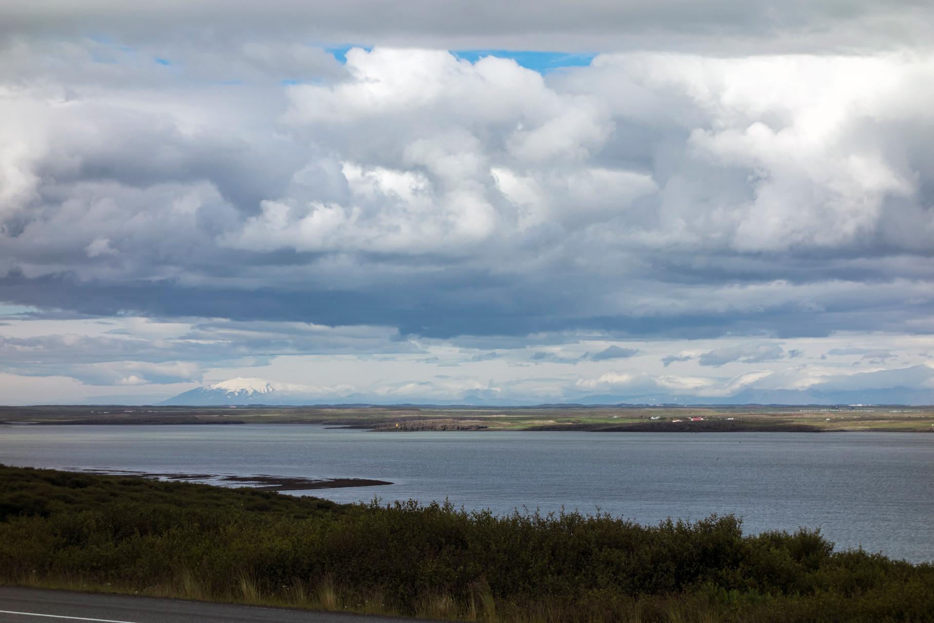 in der Nähe von Borganes, im Hintergrund ist der Snælfellsjökull (Gletscher) zu sehen