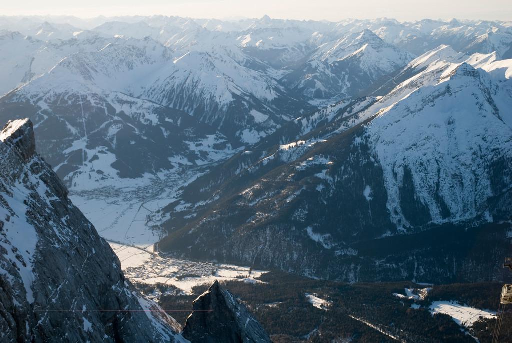 Blick von der Zugspitze in Richtung Ehrwald