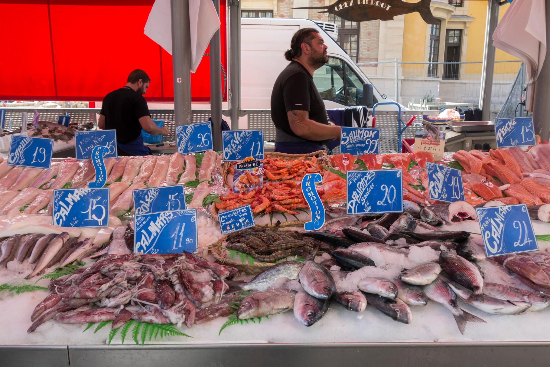 Fischmarkt am Place du Général de Gaulle