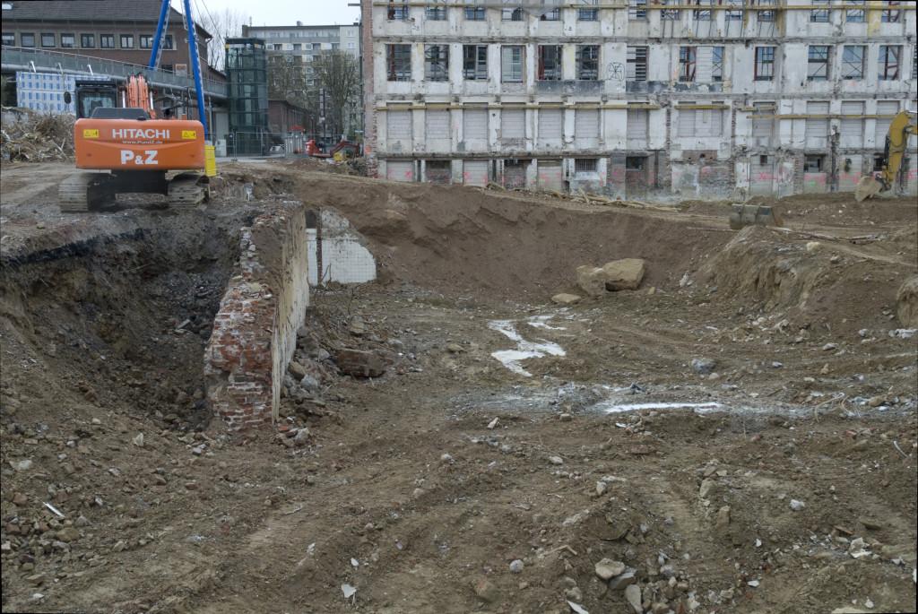 Mauerreste des Kinos, März 2008