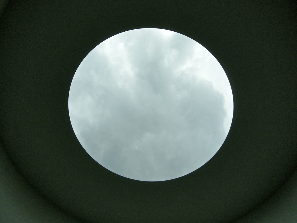 James Turrell: Third Breath, 2005 im oberen Teil der Installation