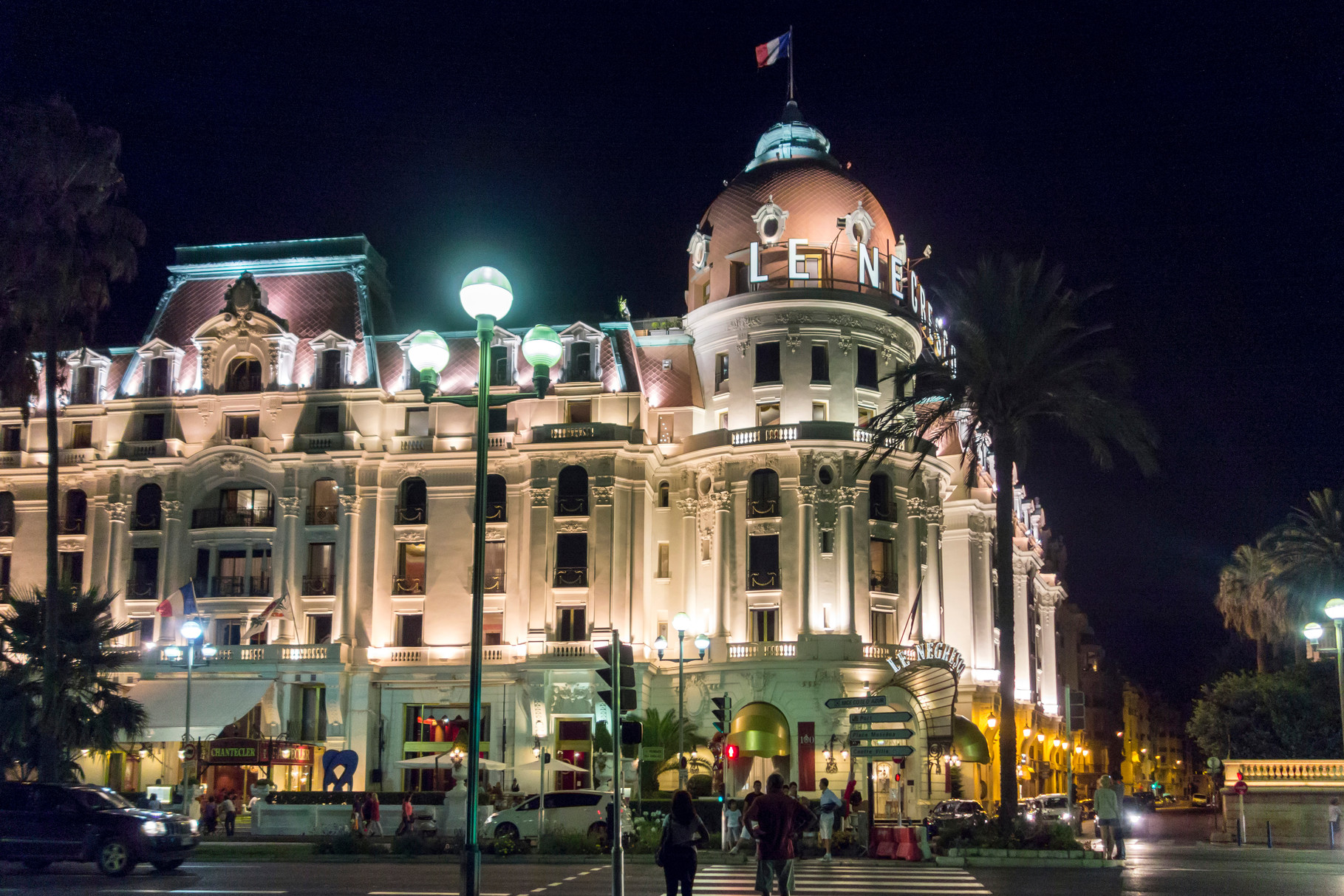 Hotel Negresco an der Promenade des Anglais (Strandpromenade von Nizza)