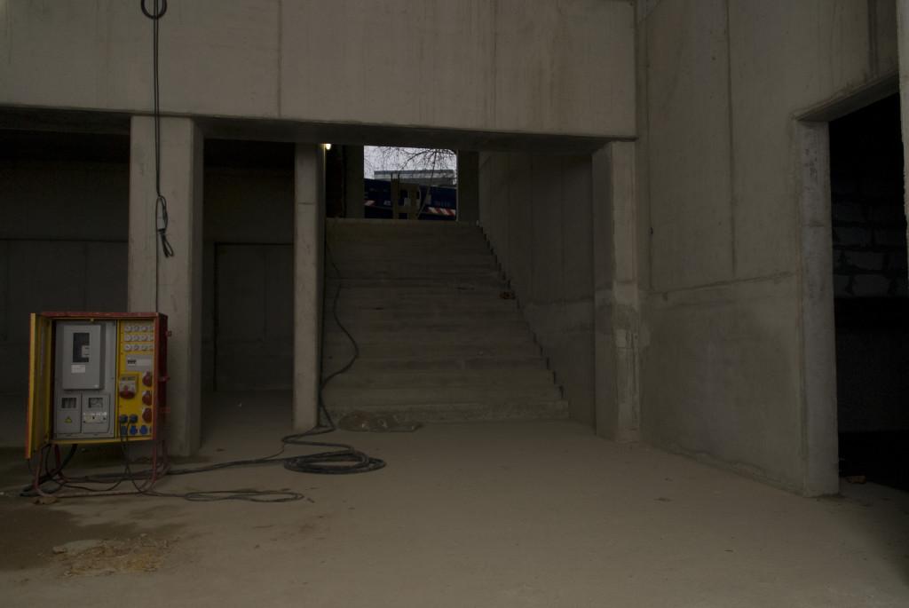 Blick vom künftigen Foyer zum Treppenaufgang, Dezember 2008