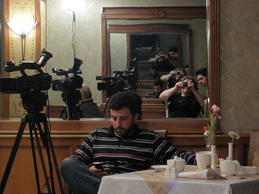 Spiegelszene während einer Drehpause