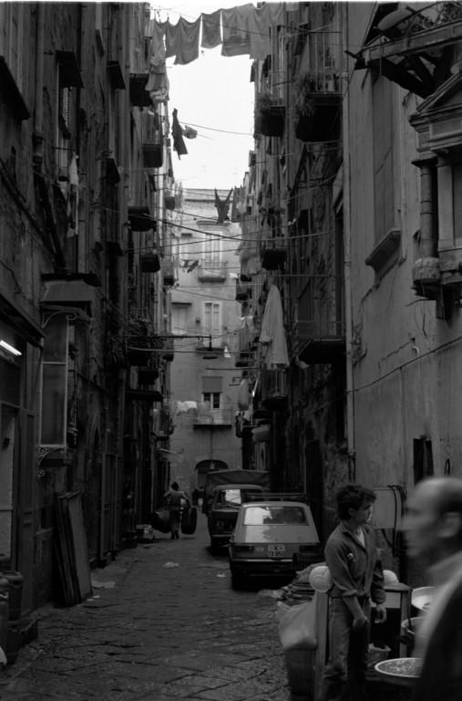 Seitenstraße in Neapel