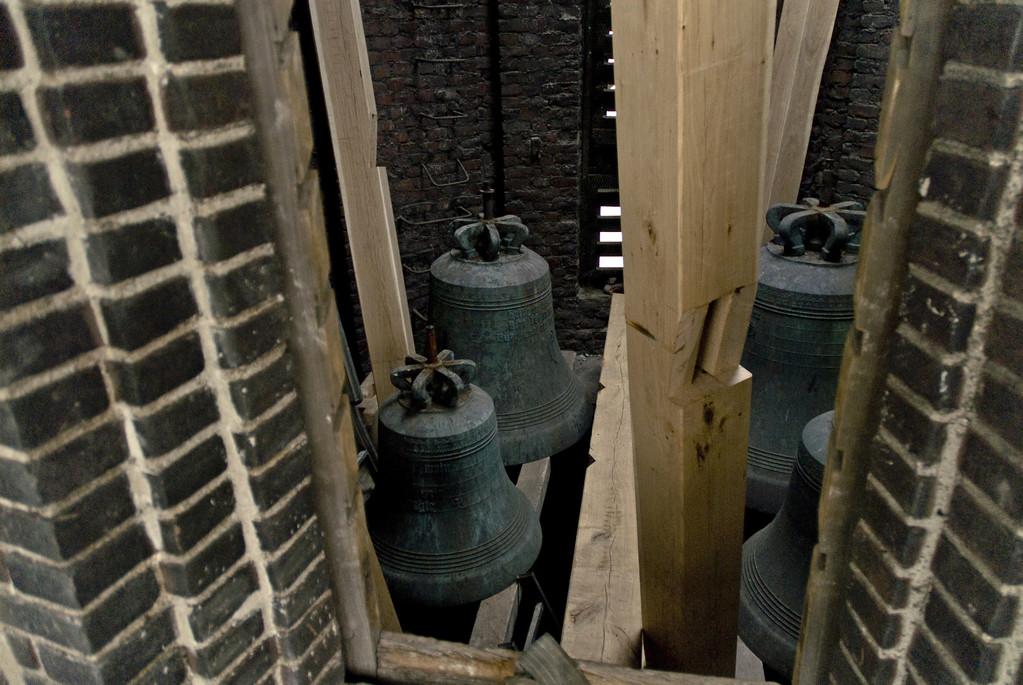 Die in den Turm gebrachten Glocken