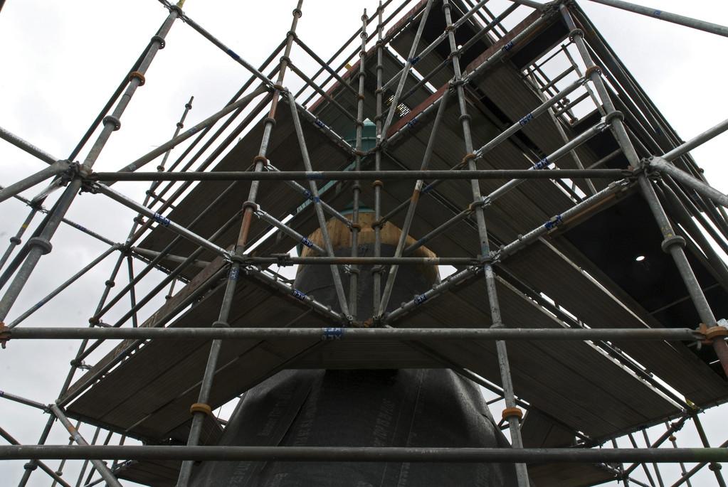 Die montierte Turmspitze