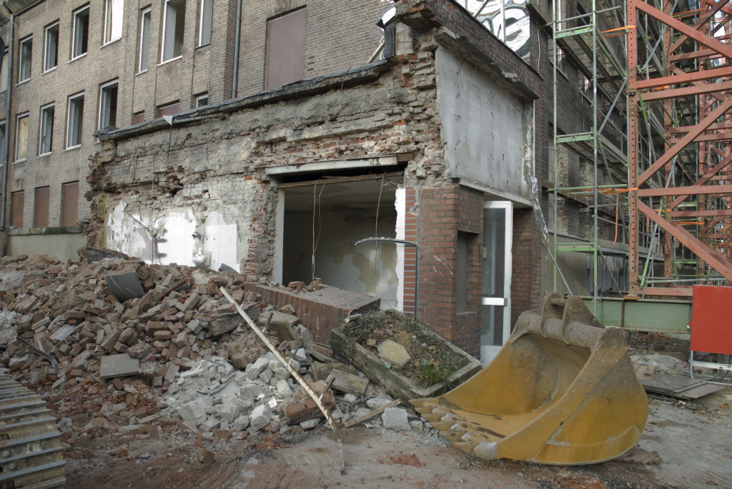 Beginn der Abbrucharbeiten, Dezember 2007