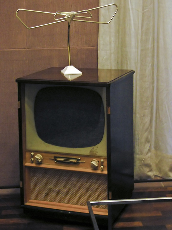 Filz-TV-Gerät, Joseph Beuys, 1968