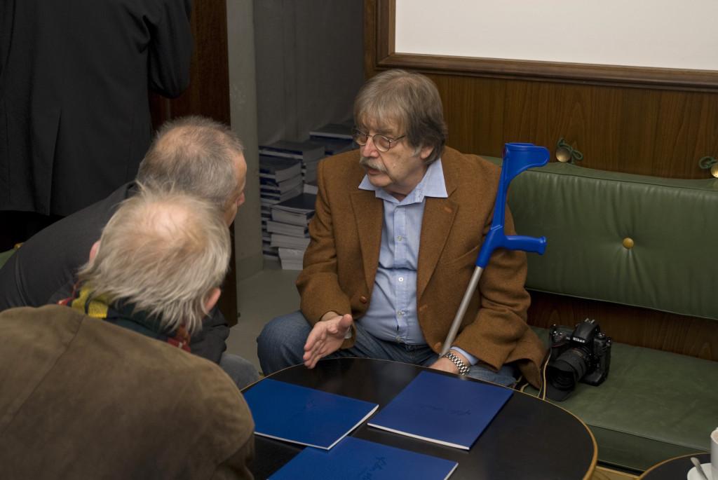 Eröffnung am 18. Dezember 2009, Hanns-Peter Hüster im Gespräch