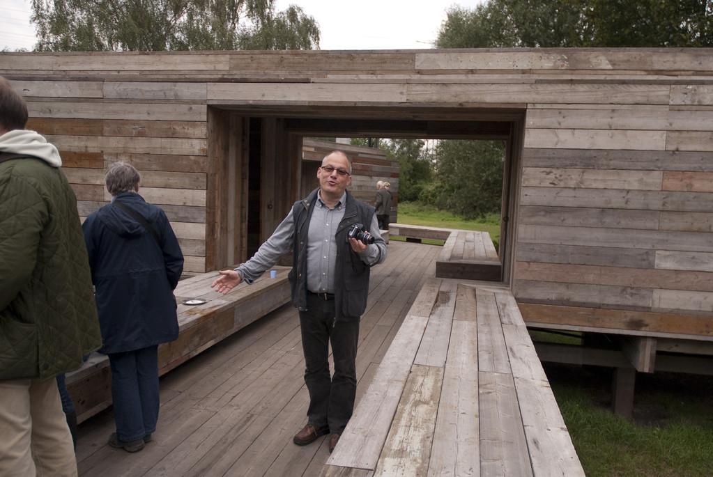 """""""Warten auf den Fluss"""" Gruppe """"Observatorium"""""""