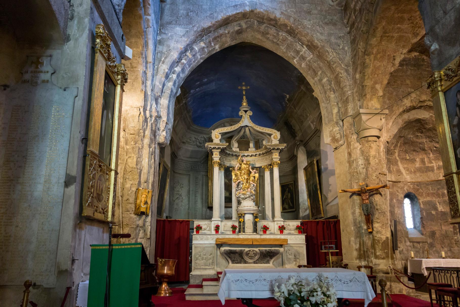 Chor mit Hochaltar der Kathedrale von Grasse