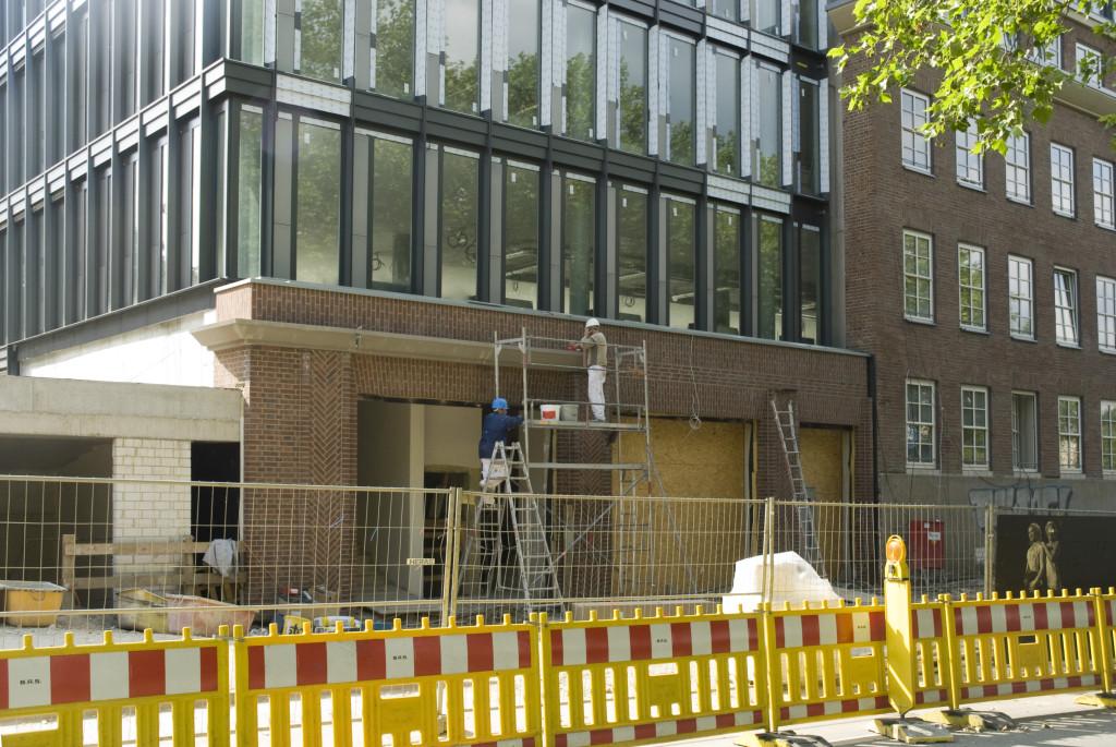Arbeiten am Eingang, Juni 2009
