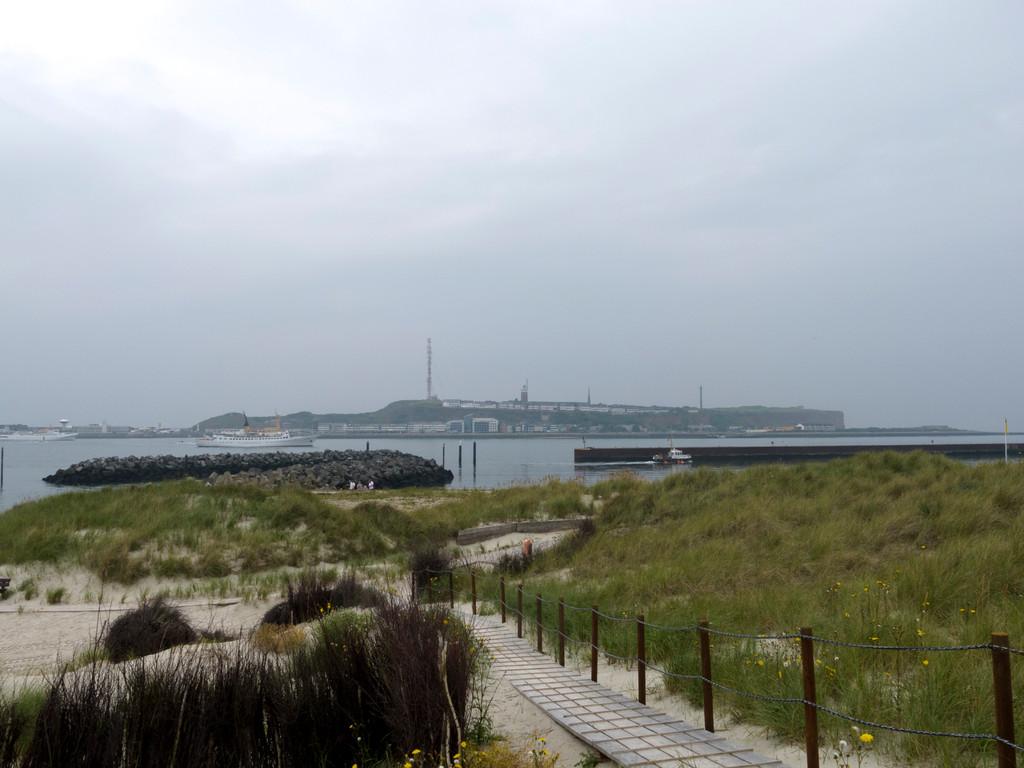 Hauptinsel Helgoland von der Düne gesehen