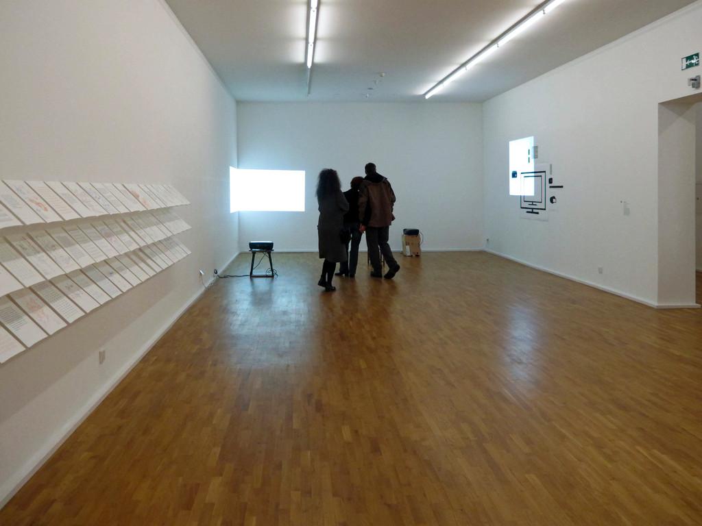 Ausstellungsraum mit Hannes Kater